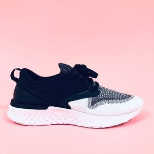 Nike Odyssey React Flyknit 2 Womens Running Shoes.